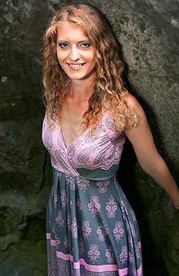 Ukraine bride  Nataliya 30 y.o. from Yalta, ID 70720